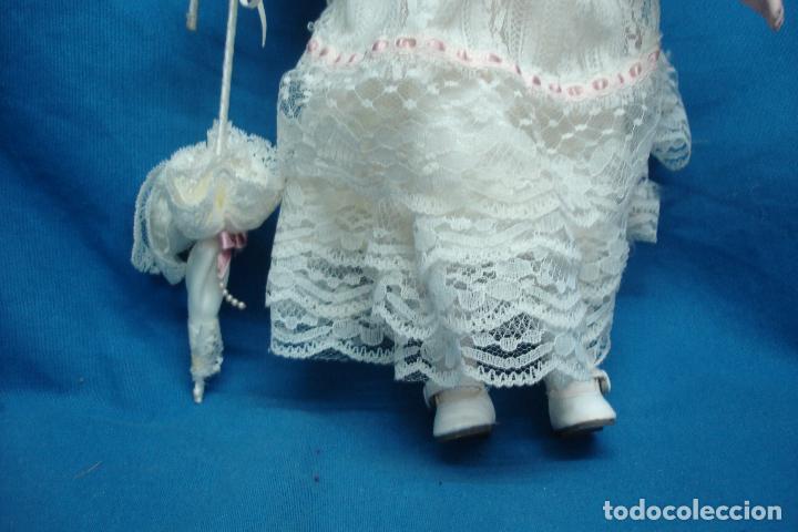 Muñecas Porcelana: MUÑECA DE PORCELANA DE 42 cm. CON UN PRECIOSO VESTIDO CON PAMELA Y SOMBRILLA A JUEGO - Foto 5 - 91306710