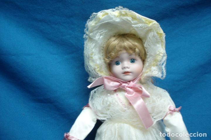 Muñecas Porcelana: MUÑECA DE PORCELANA DE 42 cm. CON UN PRECIOSO VESTIDO CON PAMELA Y SOMBRILLA A JUEGO - Foto 7 - 91306710