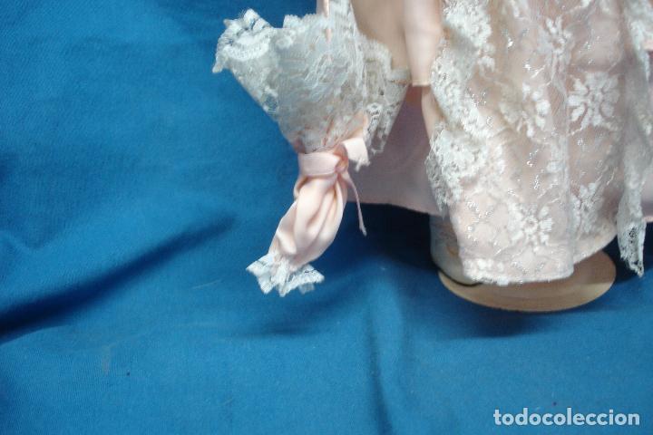 Muñecas Porcelana: MUÑECA DE PORCELANA DE 44 cm. CON UN PRECIOSO VESTIDO ROSA, SOMBRERO Y SOMBRILLA A JUEGO + SOPORTE - Foto 5 - 91340010