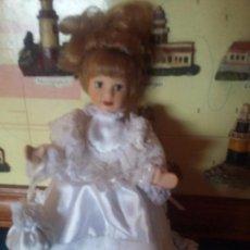 Muñecas Porcelana: PRECIOSA MUÑEQUITA DE PORCELANA. Lote 91837110