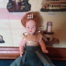 Muñecas Porcelana: BONITA MUÑEQUITA DE PORCELANA. Lote 93959605