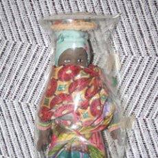 Muñecas Porcelana: MADAGASCAR *** MUÑECAS DEL MUNDO DE PORCELANA (1986) *** ROPA TRADICIONAL *** NUEVA ***. Lote 99620943