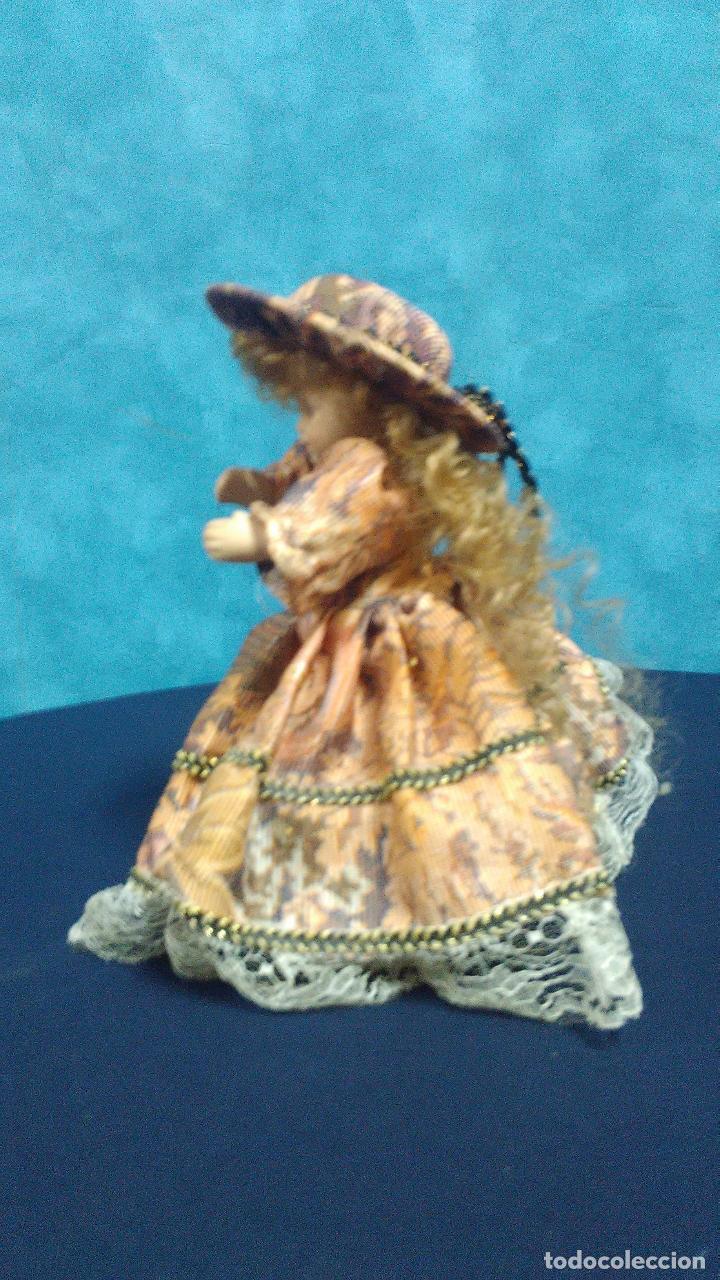 Muñecas Porcelana: MUÑECA PORCELANA CAJA MUSICA - Foto 2 - 99715823