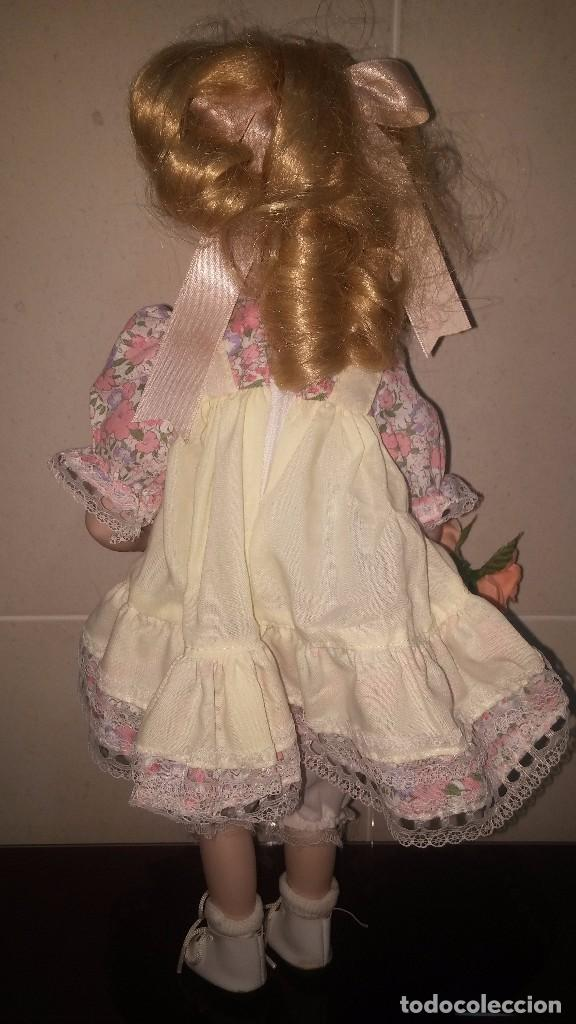 Muñecas Porcelana: Muñeca porcelana con gafas - Porcelain Doll - En caja original - Foto 3 - 99843951