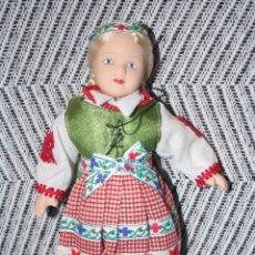 Muñecas Porcelana: LITUANIA *** MUÑECAS DEL MUNDO DE PORCELANA (1986) *** ROPA TRADICIONAL *** NUEVA *** . Lote 99868783