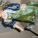 Muñecas Porcelana: EXCEPCIONAL MUÑECA ANTIGUA CON ROPA DE ÉPOCA Y DE PORCELANA.. Lote 105432915
