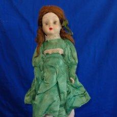 Muñecas Porcelana: ANTIGUA Y RARA MUÑECA DE PORCELANA MIDE UNOS 38 CM,NECESITA ALGO DE ASEO VER FOTOS Y DESCRIPCION! SM. Lote 106417039