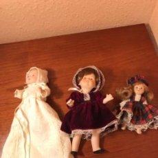 Muñecas Porcelana: TRES MUÑECAS DE PORCELANA. Lote 111582815