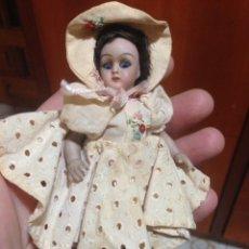 Muñecas Porcelana: PEQUE?A ANTIGUA MUÑECA DE PORCELANA, 12 CM.. Lote 112079040