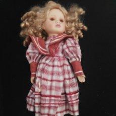 Muñecas Porcelana: MUÑECA PORCELANA. Lote 112984903