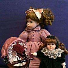 Muñecas Porcelana: 3 MUÑECAS DE PORCELANA CON COCHECITO PARA BEBE. Lote 113171987