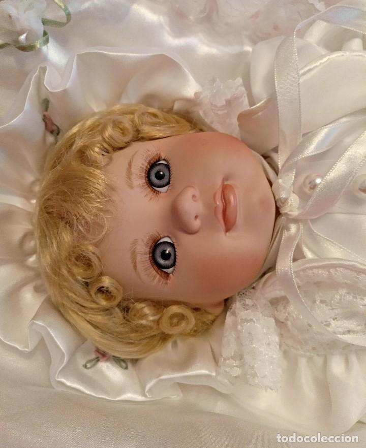 Muñecas Porcelana: Impresionante Bebe de porcelana.En su caja original y con certificado de edicion limitada - Foto 11 - 113263211