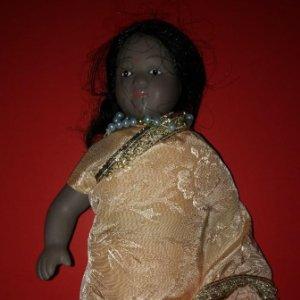 muñeca porcelana autentica 22cm muñecas del mundo INDIA
