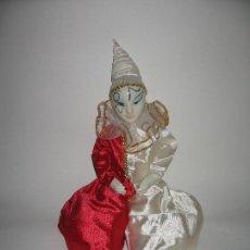 Muñecas Porcelana: ARLEQUÍN DE FANTASÍA DE PORCELANA AÑO 1989. Lote 120846223