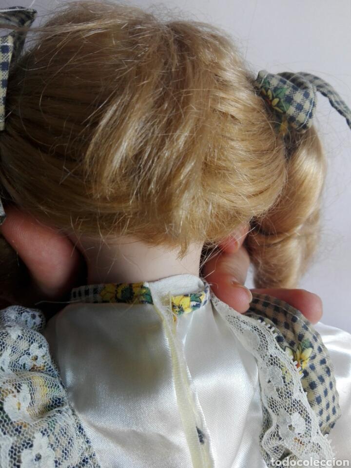 Muñecas Porcelana: PRECIOSA MUÑECA DE PORCELANA EN POSICIÓN SENTADA ESTILO ANTIGUA PARA DECORACIÓN MODA INFANTIL - Foto 4 - 121373123