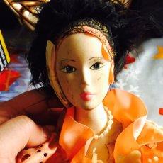 Muñecas Porcelana: BONITA MUÑECA DE PIANO EN PORCELANA. Lote 121505566