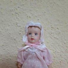 Muñecas Porcelana: MUÑECA DE PORCELANA. Lote 128910043
