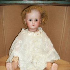 Muñecas Porcelana: ANTIGUA MUÑECA DE PORCELANA-AÑO 1910 APROX-50 CENTIMETROS DE LARGA-OJOS DE CRISTAL-MARCA ANCLA LC. Lote 128984607