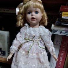 Muñecas Porcelana: MUÑECA PORCELANA . Lote 131182292