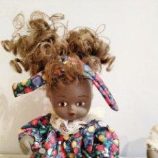 Muñecas Porcelana: LOTE DE DOS MUÑECAS NEGRAS DE PORCELANA. SIN JUGAR.. Lote 131266903