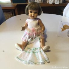 Muñecas Porcelana: MUÑECA MARIQUITA PEREZ CON VESTIDOS. Lote 131448898