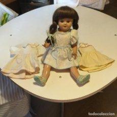 Muñecas Porcelana - Muñeca Gisela con vestidos - 131449850