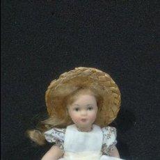 Muñecas Porcelana: MUÑECA DE PORCELANA DE COLECCIÓN DE 16 CM. Lote 131617562