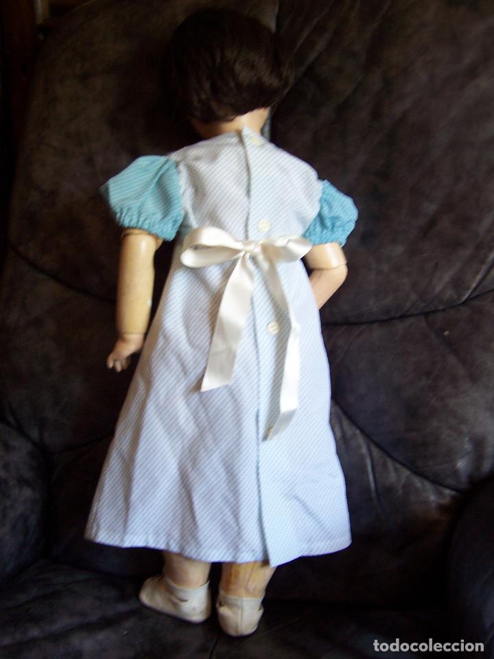 Muñecas Porcelana: Muñeca belga con marca en la nuca. Ojos durmientes de cristal azules. Años 20. Altura 66 - Foto 2 - 132561922