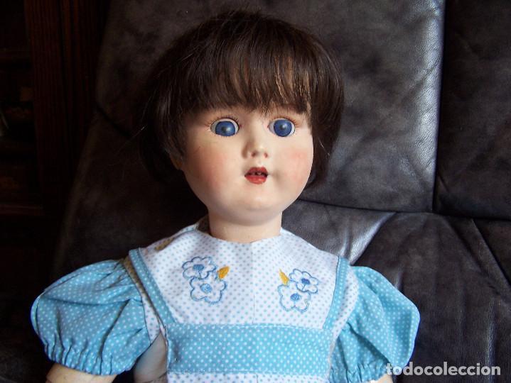 Muñecas Porcelana: Muñeca belga con marca en la nuca. Ojos durmientes de cristal azules. Años 20. Altura 66 - Foto 4 - 132561922
