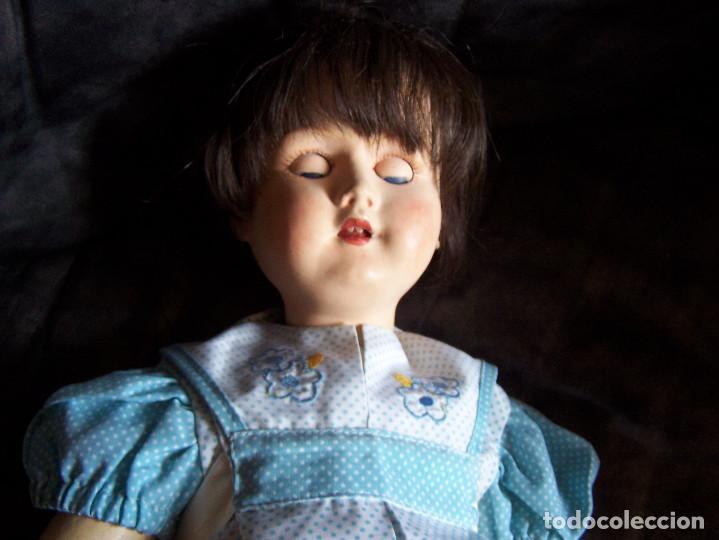Muñecas Porcelana: Muñeca belga con marca en la nuca. Ojos durmientes de cristal azules. Años 20. Altura 66 - Foto 5 - 132561922