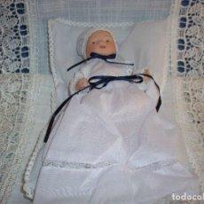 Muñecas Porcelana: MUÑECO DE PORCELANA BISCUIT CON COJIN. Lote 132713230