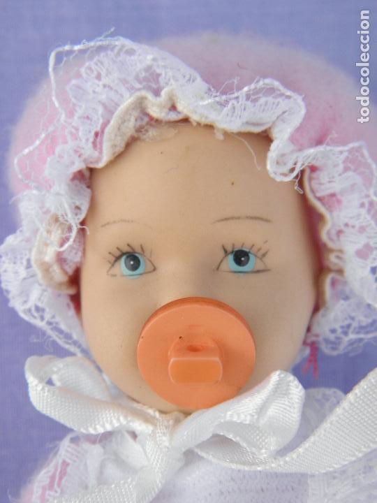 Muñecas Porcelana: Muñeco bebé de porcelana articulado - Foto 2 - 132941082