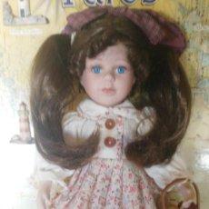 Muñecas Porcelana: PRECIOSA MUÑECA DE PORCELANA. Lote 133202106