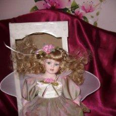 Muñecas Porcelana: MUÑECA ÁNGEL PORCELANA.EN CAJA.. Lote 133594842