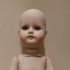 Muñecas Porcelana: MUÑECO DE PORCELANA O CERÁMICA OJOS DE CRISTAL.. Lote 135606618