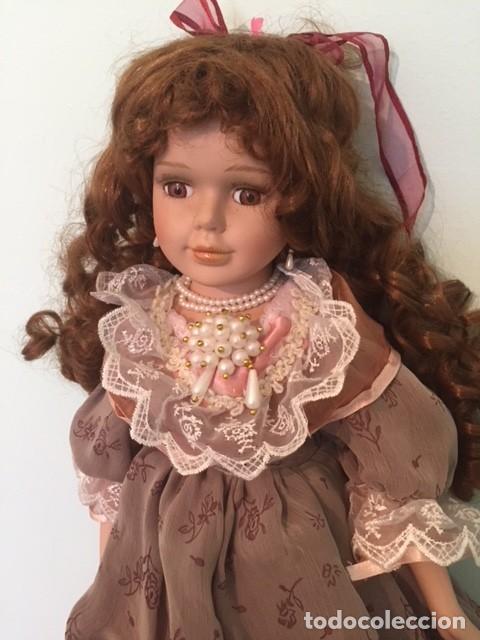 Muñecas Porcelana: Preciosa gran muñeca de porcelana años 70 con bonito vestido todo detalle 57 cm - Foto 2 - 136223418