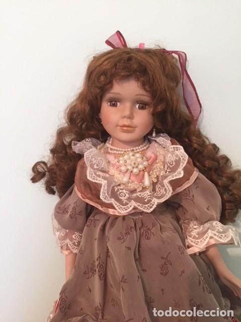 Muñecas Porcelana: Preciosa gran muñeca de porcelana años 70 con bonito vestido todo detalle 57 cm - Foto 5 - 136223418