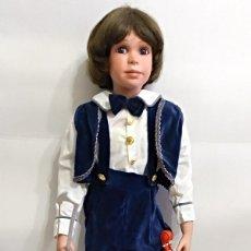 Muñecas Porcelana: MUÑECO DE PORCELANA VIOLINISTA DE 86 CM. Lote 136559046