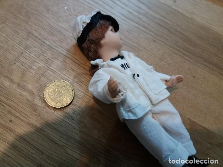 Muñecas Porcelana: Pequeña muñeca de porcelana. Lechera. Articulada. Perfecto estado. Vintage. Muy bonita. - Foto 2 - 136883782