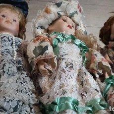 Muñecas Porcelana: POCELANA LOTE 3 MUÑECAS PRECIOSOS TRAJES. Lote 141954814