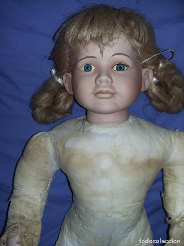 Muñecas Porcelana: antigua muñeca porcelana muy grande 66 cm sin marca aparente cuerpo de composición necesita aseo - Foto 5 - 142356710