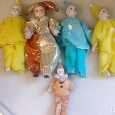 Muñecas Porcelana: MUÑECOS Y MUÑECAS DE PORCELANA VESTIDOS DE ARLEQUIN Y PAYASO. Lote 142771778