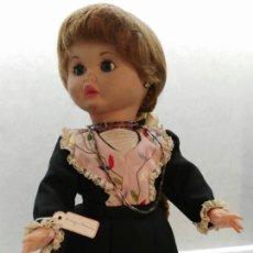 Muñecas Porcelana: MUÑECA DE CRACOVIA (POLONIA). Lote 143099186