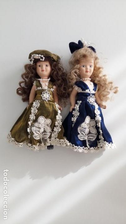 Muñecas Porcelana: 2 Pequeñas muñecas de porcelana con articulación. Con soporte, 23 cm. - Foto 16 - 143155654