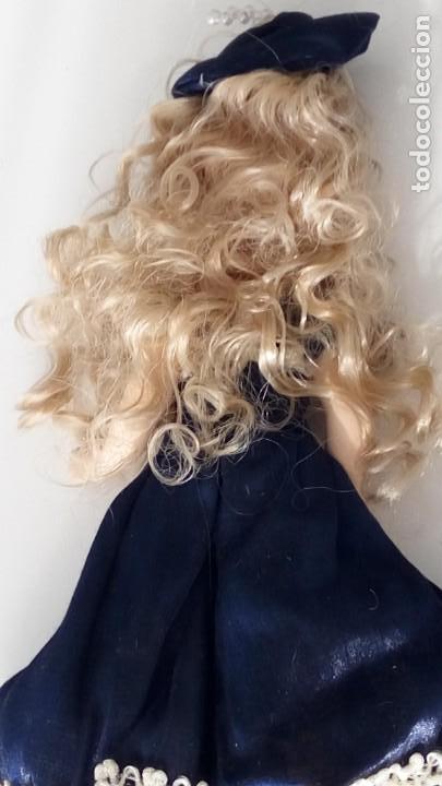 Muñecas Porcelana: 2 Pequeñas muñecas de porcelana con articulación. Con soporte, 23 cm. - Foto 11 - 143155654