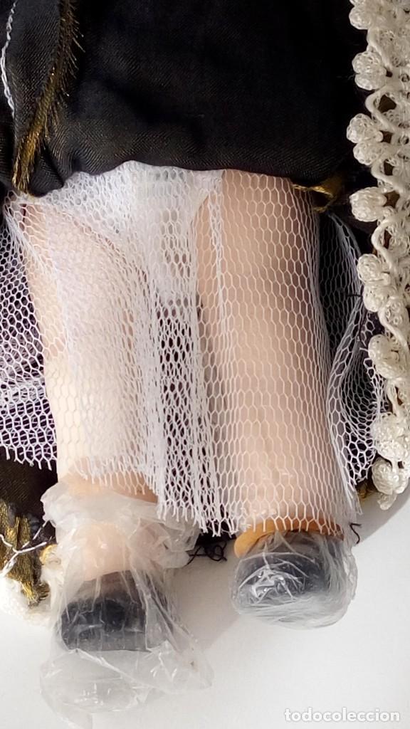 Muñecas Porcelana: 2 Pequeñas muñecas de porcelana con articulación. Con soporte, 23 cm. - Foto 12 - 143155654