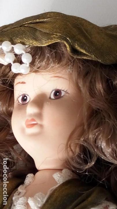 Muñecas Porcelana: 2 Pequeñas muñecas de porcelana con articulación. Con soporte, 23 cm. - Foto 5 - 143155654