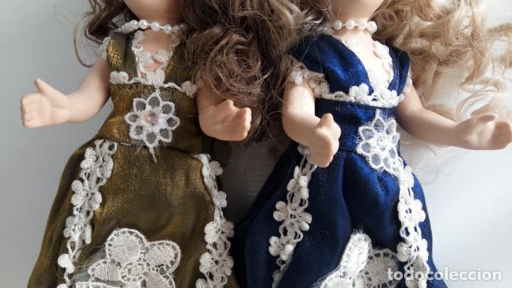 Muñecas Porcelana: 2 Pequeñas muñecas de porcelana con articulación. Con soporte, 23 cm. - Foto 7 - 143155654