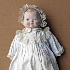Muñecas Porcelana: MUÑECA CON CABEZA, PIES Y MANOS DE PORCELANA. ALTURA 29 CM. Lote 144770758