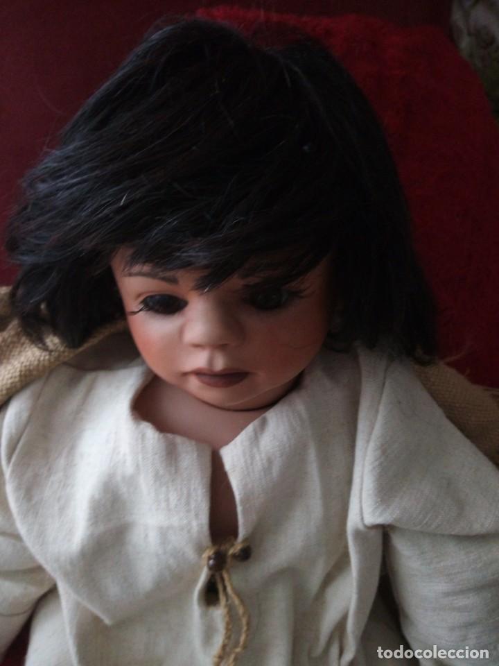 Muñecas Porcelana: Muñeca de porcelana alemana ,de colección Josi jaggi 1993. Pelo natural, ojos de cristal.realista. - Foto 7 - 145497438
